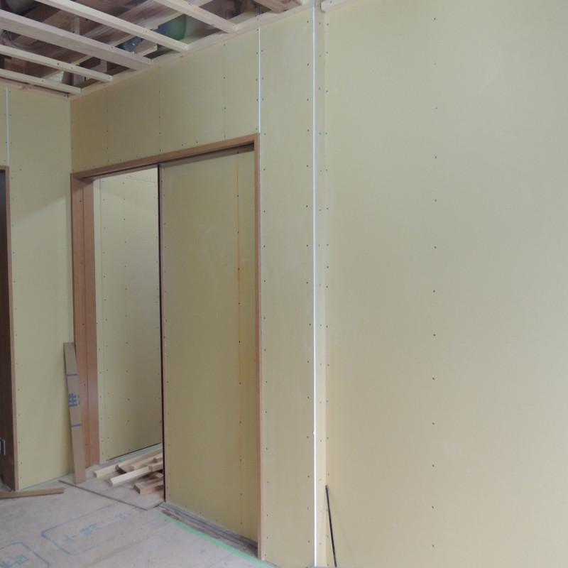 主寝室ふかし壁